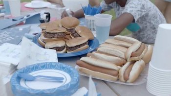 Party City TV Spot, 'Red, White & Bland BBQ' - Thumbnail 3