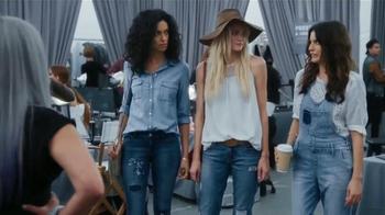 Old Navy TV Spot, 'Evento de Moda' con Judy Reyes [Spanish] - Thumbnail 4