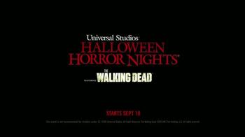 Universal Studios Halloween Horror Nights TV Spot, 'The Walking Dead' - Thumbnail 10