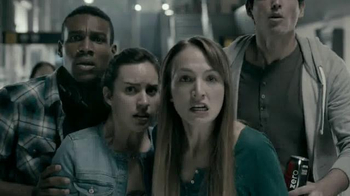 Universal Studios Halloween Horror Nights TV Spot, 'The Walking Dead' - Thumbnail 5