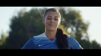 FIFA 16 TV Spot, 'Play Beautiful' Featuring Lionel Messi, Kobe Bryant - Thumbnail 7