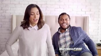 Mattress Firm Tempur-Pedic TV Spot, 'Sleep Happy' - Thumbnail 4