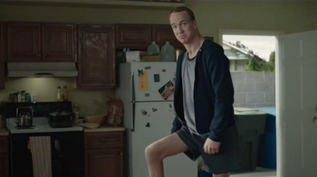 DIRECTV NFL Sunday Ticket TV Spot, 'Skinny Legs Peyton Manning' - Thumbnail 6