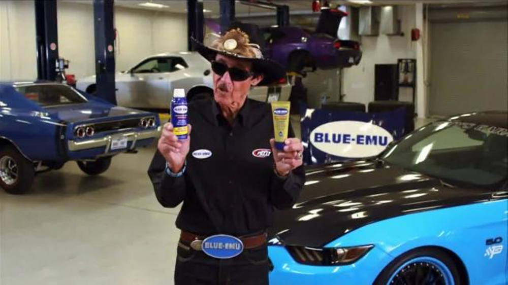 Blue-Emu Pain Relief Spray & Pain Relief Cream TV Commercial, 'The King'