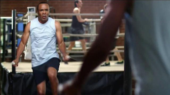 SKECHERS Relaxed Fit TV Spot, 'Athletic Comfort' Feat. Sugar Ray Leonard - Thumbnail 2
