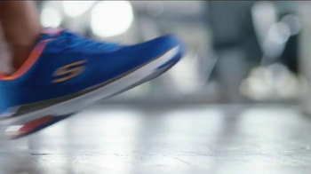 SKECHERS Relaxed Fit TV Spot, 'Athletic Comfort' Feat. Sugar Ray Leonard - Thumbnail 3
