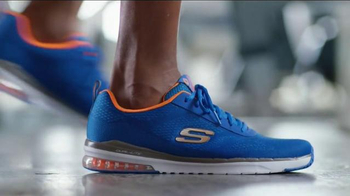 SKECHERS Relaxed Fit TV Spot, 'Athletic Comfort' Feat. Sugar Ray Leonard - Thumbnail 4