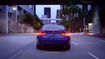 Lexus IS TV Spot, 'El jefe de discoteca' [Spanish] - Thumbnail 1