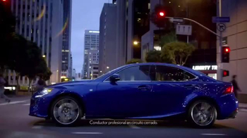 Lexus IS TV Spot, 'El jefe de discoteca' [Spanish] - Thumbnail 3