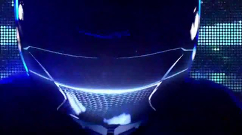 Lexus IS TV Spot, 'El jefe de discoteca' [Spanish] - Thumbnail 5