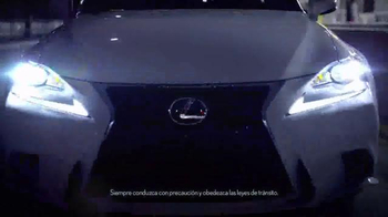 Lexus IS TV Spot, 'El jefe de discoteca' [Spanish] - Thumbnail 6