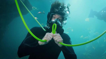 Verizon TV Spot, 'Instructor de buceo francés' [Spanish] - 739 commercial airings