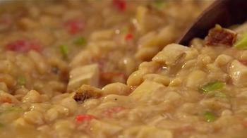 Bush's Best  White Chili Beans TV Spot, 'Easy White Chicken Chili' - Thumbnail 4