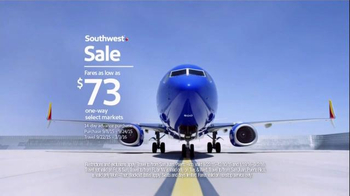 Southwest Airlines TV Spot, 'Heads or Tails' Song by BØRNS - Thumbnail 9