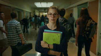 Verizon TV Spot, 'A Better Network as Explained by a High School It Couple' - Thumbnail 2