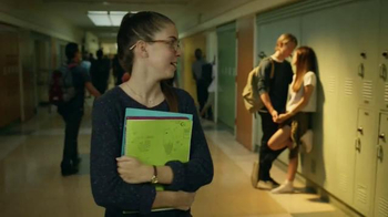 Verizon TV Spot, 'A Better Network as Explained by a High School It Couple' - Thumbnail 4