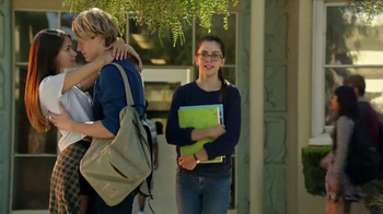 Verizon TV Spot, 'A Better Network as Explained by a High School It Couple' - Thumbnail 8