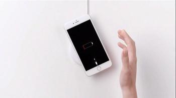 Samsung Wireless Charging TV Spot, 'It's Not a Phone, It's a Galaxy' - Thumbnail 2