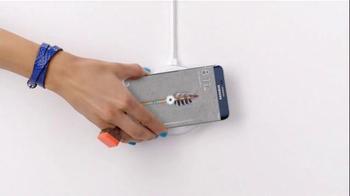 Samsung Wireless Charging TV Spot, 'It's Not a Phone, It's a Galaxy' - Thumbnail 3
