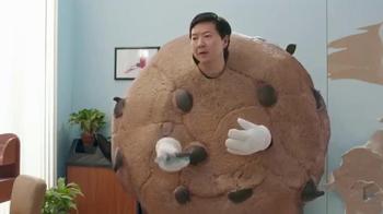 Cookie Jam TV Spot, 'Salon' Featuring Ken Jeong - Thumbnail 3