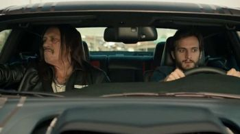 Dodge Charger TV Spot, '¿Que hay atras?' con Danny Trejo [Spanish] - 318 commercial airings