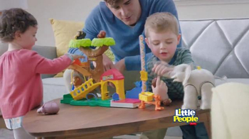 Little People Big Animal Zoo TV Spot, 'Wild About Animals' - Thumbnail 3