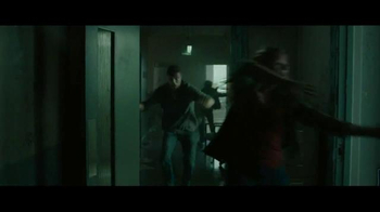 Motorola Moto Z Droid TV Spot, 'Zombie Escape' - Thumbnail 1