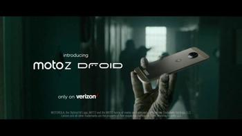 Motorola Moto Z Droid TV Spot, 'Zombie Escape' - Thumbnail 9