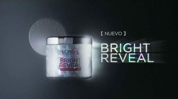 L'Oreal Paris Bright Reveal Peel Pads TV Spot, 'Radiante' [Spanish] - 500 commercial airings