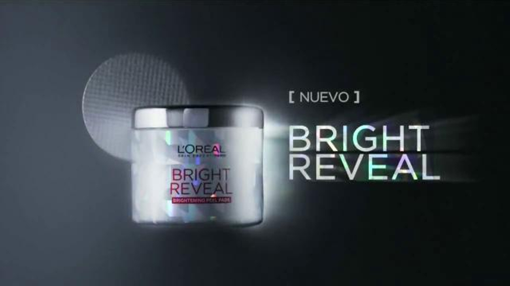 L'Oreal Paris Bright Reveal Peel Pads TV Commercial, 'Radiante'