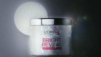 L'Oreal Paris Bright Reveal Peel Pads TV Spot, 'Radiante' [Spanish] - Thumbnail 10