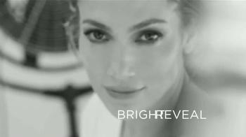 L'Oreal Paris Bright Reveal Peel Pads TV Spot, 'Radiante' [Spanish] - Thumbnail 7