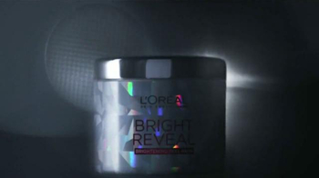 L'Oreal Paris Bright Reveal Peel Pads TV Spot, 'Radiante' [Spanish] - Thumbnail 9