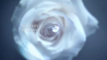 Lancôme Advanced Genifique TV Spot, 'Feel Beautiful' Feat. Lupita Nyong'o - Thumbnail 7