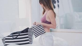 Victoria's Secret TV Spot, 'The Summer Carryall' - Thumbnail 2