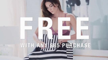 Victoria's Secret TV Spot, 'The Summer Carryall' - Thumbnail 5
