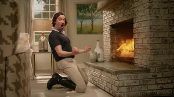 La-Z-Boy TV Spot, 'As the Room Turns: Sofa' Featuring Brooke Shields - Thumbnail 6