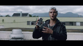 Motorola Moto Z Droid TV Spot, 'Busted' - Thumbnail 6