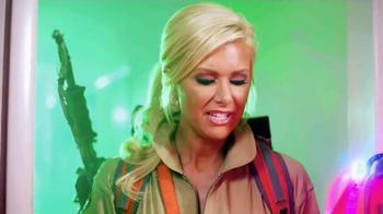 Papa John's TV Spot, 'CMT Hot 20 Countdown Hosts: Ghostbusters' - Thumbnail 4
