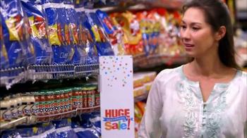 Albertsons Huge Anniversary Sale TV Spot, 'Gatorade and Quaker Bars' - Thumbnail 3