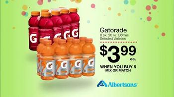 Albertsons Huge Anniversary Sale TV Spot, 'Gatorade and Quaker Bars' - Thumbnail 6