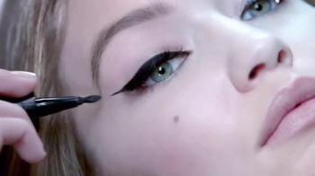 Maybelline New York Master Precise Curvy Eyeliner TV Spot, 'Control' - Thumbnail 1
