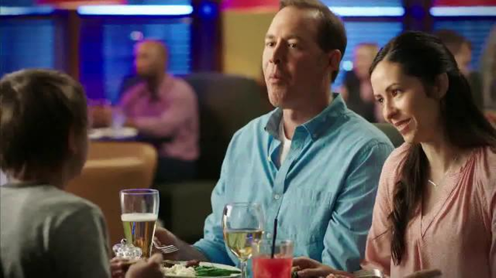 Ruby tuesday 3 course meal tv commercial 39 sharing 39 - Ruby tuesday garden bar and grill ...