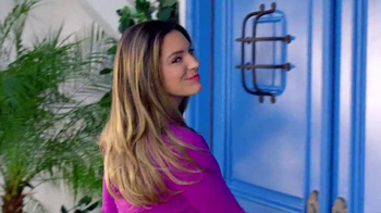 SKECHERS Air-Cooled Memory Foam TV Spot, 'Pool' Featuring Kelly Brook - Thumbnail 3