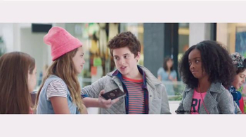 Old Navy Back to School TV Spot, 'Roped In' Featuring Amy Schumer - Thumbnail 4