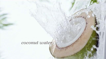 Garnier Whole Blends TV Spot, 'Care for Thirsty Hair' Song by Gillian Hills - Thumbnail 2