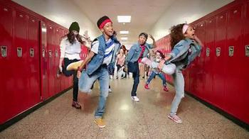 Macy's TV Spot, 'Teacher Dance' Song by De La Soul - Thumbnail 3