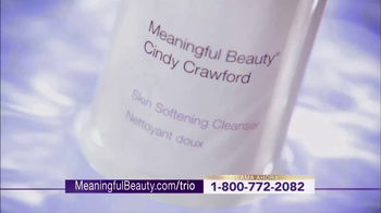 Meaningful Beauty Ultra TV Spot, 'Transformar' con Cindy Crawford [Spanish] - Thumbnail 4