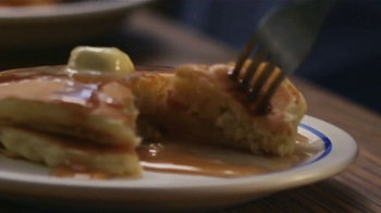 IHOP Todos Los Pancakes Que Puedas Comer TV Spot, 'Momento' [Spanish] - Thumbnail 4