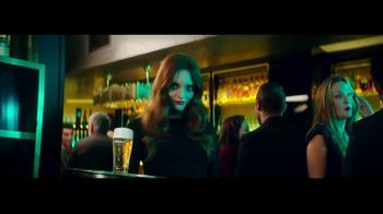 Heineken TV Spot, 'La mirada' con Benicio del Toro [Spanish] - 4421 commercial airings